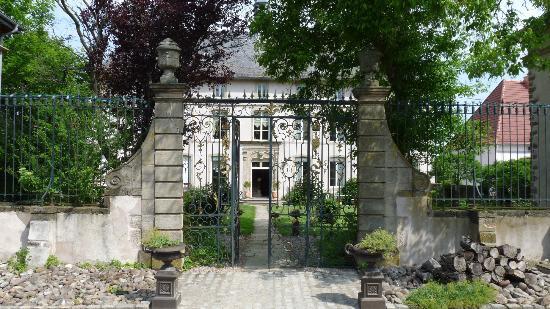chateau-de-failloux-1