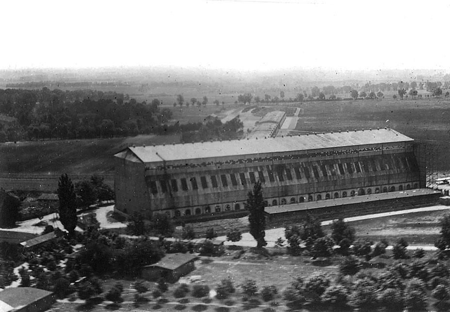 Metz_Hangar_Zeppelin_GT